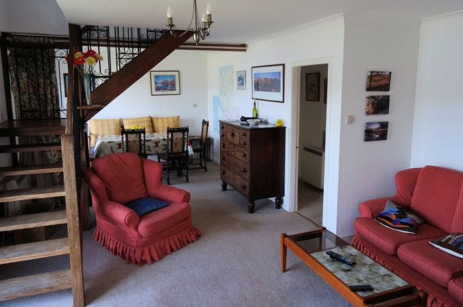 Ceol Na Mara can accommodate up to 8 people and the ground floor accommodation comprises a lounge with a dining area and panoramic views over the loch through two large patio windows.